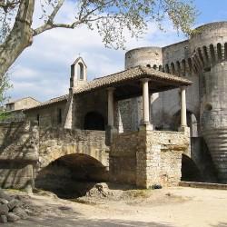 Pernes les Fontaines - Ville fortifiée